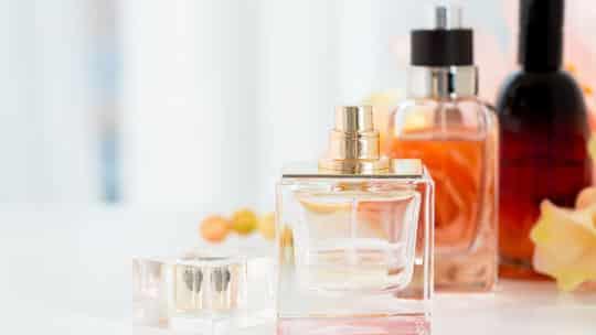 Wie lange ist selbst gemachtes Parfüm haltbar?