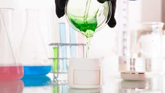 Parfüm selber mixen – im praktischen Set gelingt es garantiert